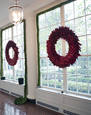 Red Wreath White House